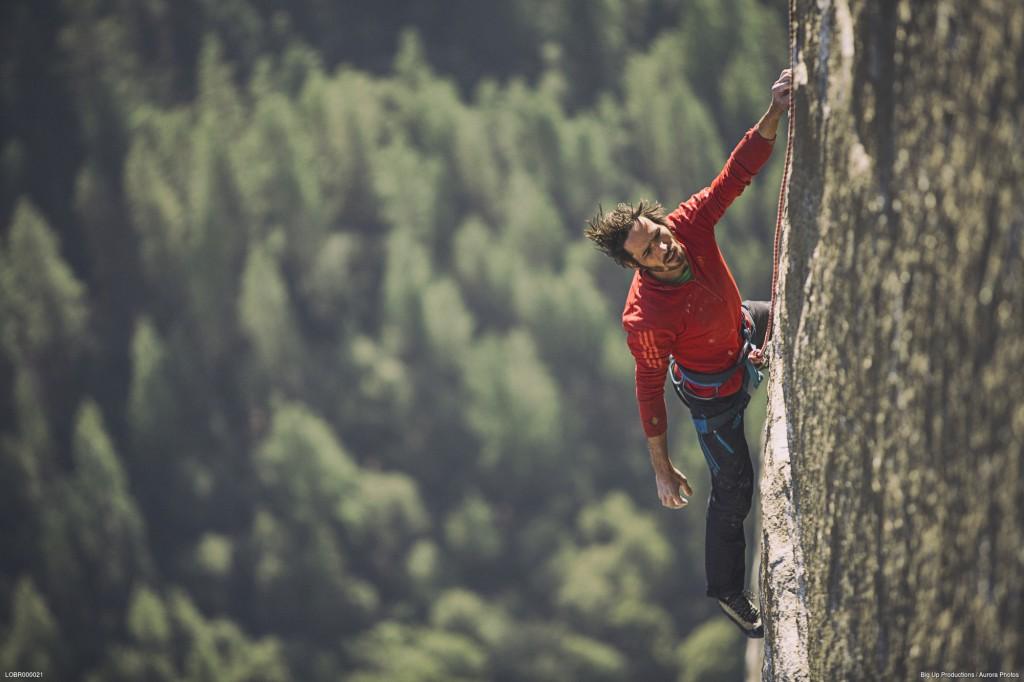 Kevin Jorgeson free climbing El Capitan's Dawn Wall